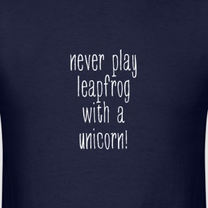 Unicorn leapfrog - Men's T-Shirt