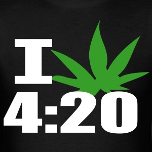 i_smoke_4:20 - Men's T-Shirt