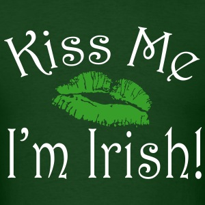Kiss Me, I'm Irish, Green Lipstick T-Shirts - Men's T-Shirt