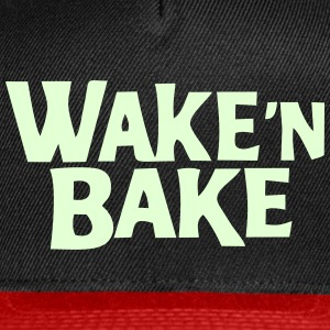 wake n bake Caps - Snap-back Baseball Cap