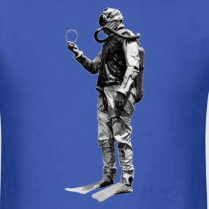 Vintage SCUBA Diver with Double Hose Regulator - Men's T-Shirt