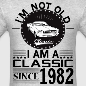 Classic since 1982 T-Shirts - Men's T-Shirt