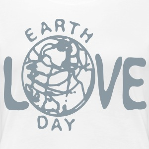 Love Earth day Women's Plus Size Basic T-Shirt - Women's Premium T-Shirt