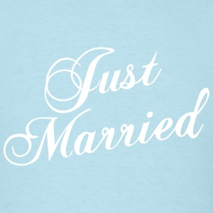 Just Married_V8 T-Shirts - Men's T-Shirt