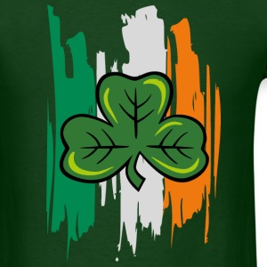 shamrock clover - Men's T-Shirt