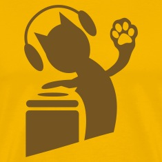 Gold DJ humor cat on the decks Hi Five with paws ! T-Shirts
