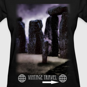 Stone Henge Vitage Travel Short Sleeve Shirt - Women's T-Shirt