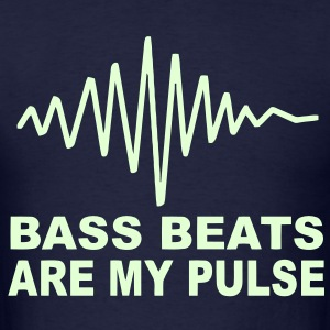 Bass Beats are my pulse Glow in the dark T-shirt - Men's T-Shirt