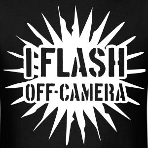 I flash off-camera - Men's T-Shirt