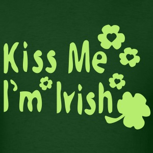 Kiss Me I'm Irish & shamrock Men's Standard Weight T-Shirt - Men's T-Shirt