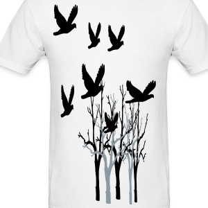 Tree's and birds flying - Men's T-Shirt