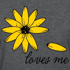 Loves me... give a romantic spring summer flower for valentines day to your love or valentine  Women's T-Shirts - Women's T-Shirt
