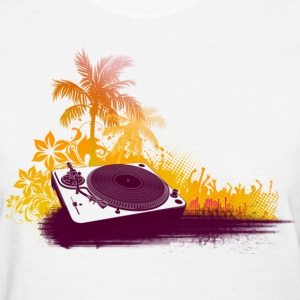 Turntable Beach DJ Women's T-Shirts - Women's T-Shirt