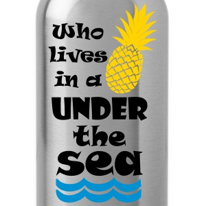 Who lives in a Pineapple under the Sea? Women's T-Shirts - Water Bottle