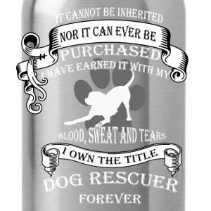 Animal rescue T-shirt - The title dog rescuer - Water Bottle