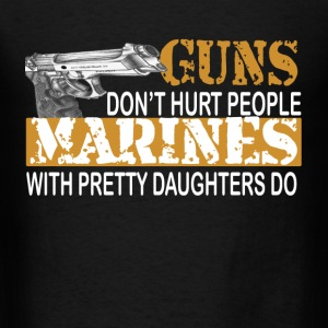 Marine with daughter Tanks - Men's T-Shirt