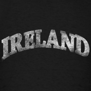 Distressed Irish Ireland Arch Hoodies - Men's T-Shirt