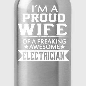 I'M A PROUD ELECTRICIAN'S WIFE - Water Bottle