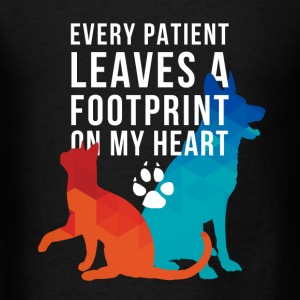 A footprint on my heart Veterinarian T-shirt Tanks - Men's T-Shirt