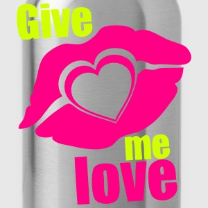 give me love kisses lip T-Shirts - Water Bottle