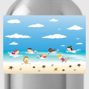 Children and beach summer background T-Shirts - Water Bottle