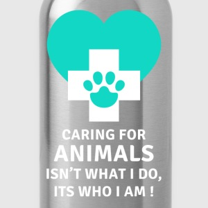 Caring for animals Its who I am Veterinary T-shirt T-Shirts - Water Bottle