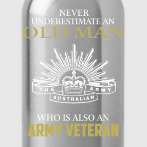 Old man who is Army veteran - Never underestimate - Water Bottle
