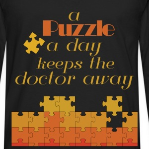 A puzzle a day keeps doctor away - Men's Premium Long Sleeve T-Shirt