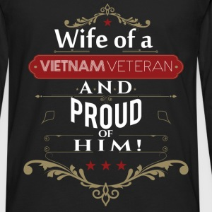 Wife of a vietnam veteran and proud of him - Men's Premium Long Sleeve T-Shirt