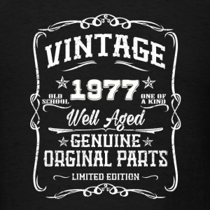 Vintage 1977 Caps - Men's T-Shirt
