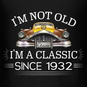 Classic since 1932 Hoodies - Men's T-Shirt
