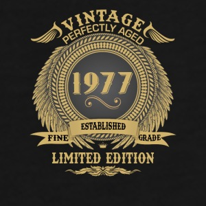 Vintage Perfectly Aged 1977 Limited Edition Mugs & Drinkware - Men's Premium T-Shirt