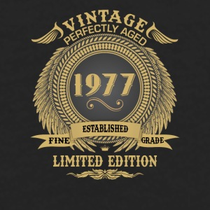 Vintage Perfectly Aged 1977 Limited Edition Mugs & Drinkware - Men's Premium Long Sleeve T-Shirt