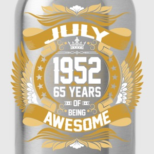 July 1952 65 Years Of Being Awesome T-Shirts - Water Bottle