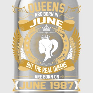 The Real Queens Are Born On June 1987 T-Shirts - Water Bottle