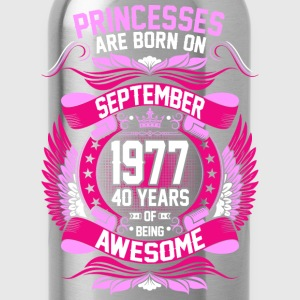 Princesses Are Born On September 1977 40 Years T-Shirts - Water Bottle