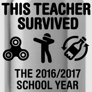 This teacher survived school year 20116 - 2017 T-shirts - Gourde