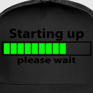 T-shirt geek starting up please wait - Trucker Cap