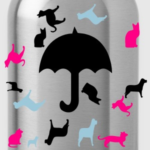 raining_cats_and_dogs3 T-Shirts - Water Bottle