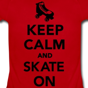 Keep calm and Skate on Kids' Shirts - Short Sleeve Baby Bodysuit