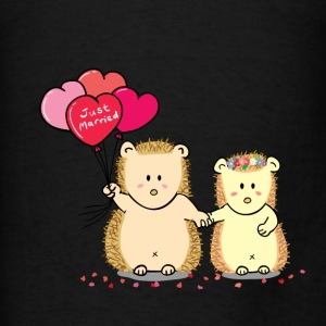 hedgehog couple with heart balloons Bags & backpacks - Men's T-Shirt