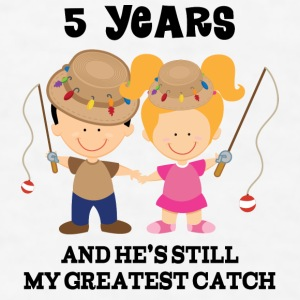 5th Anniversary Fishing Couple Bottles & Mugs - Men's T-Shirt