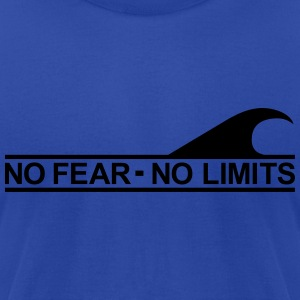 Surf - No fear no limits Hoodies - Men's T-Shirt by American Apparel