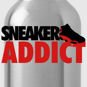 sneaker addict bred T-Shirts - Water Bottle