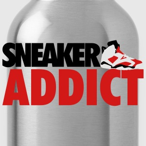 sneaker addict j6 carmines T-Shirts - Water Bottle
