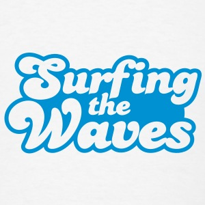 Surfing the waves Buttons - Men's T-Shirt