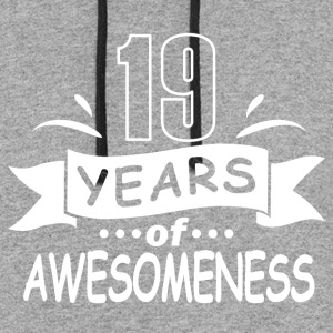 19 years of awesomeness - Colorblock Hoodie