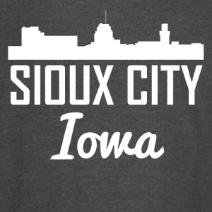 Sioux City Iowa Skyline - Vintage Sport T-Shirt