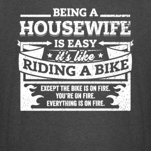 Housewife Shirt: Being A Housewife Is Easy - Vintage Sport T-Shirt