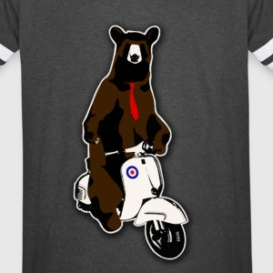 Cool hipster bear with a tie on a scooter - Vintage Sport T-Shirt